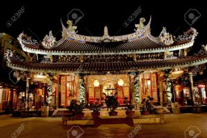 9750843-baoan-temple-a-famous-buddha-temple-in-taipei-stock-photo