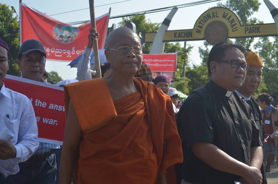 Buddhist and Christian leaders on the Peace March